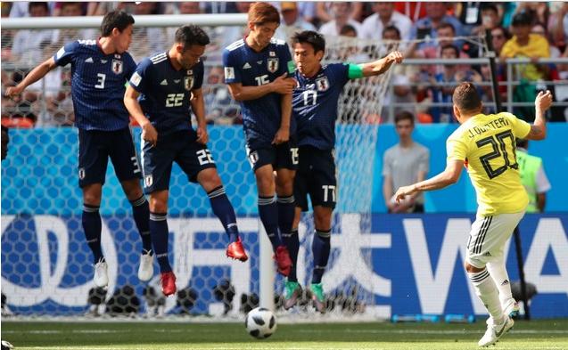 日本代表、セットプレーの守備の約束事を守れず…。練習で口酸っぱく言っても本番ではできないのが普通。