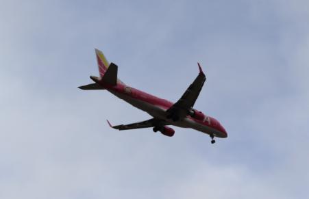 飛行機近い